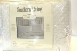 Nwt 399. Southern Living Symphony Quilt Mini Set King Quilt And 2 King Shams