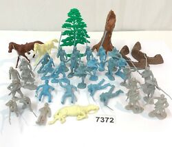 Vintage Marx Miniature Civil War Blue And Gray Play Set Figures And Accessories