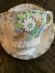Vintage Paragon Fine China Cineraria Teacup And Saucer By Appointment To Queen