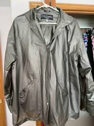 SILVER RAIN JACKET BY TOTES SIZE L $12.35