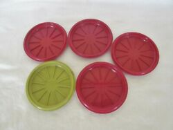 Vintage Tupperware Stacking Coffee Cup Mug Lids 1313 Set Of 4 Red And 1 Green