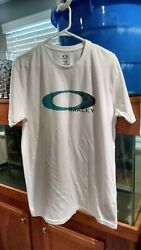 OAKLEY White T Shirt Size LARGE $18.99