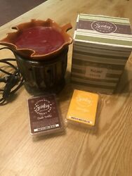 Full Size Retired Plymouth Scentsy Warmer Wax Aromatherapy Fall Leaf Green Weave