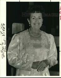 1989 Press Photo Dianne Shnaider attends the Angel Ball noc59395