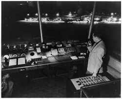 Chicago,control Tower Operator,ohare Field Presses Button,regulate Runway Lights