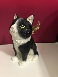Winged Cat Figurine Flaying Cat