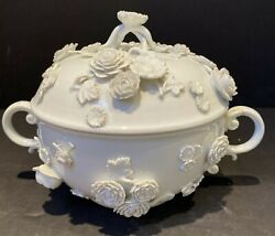 Meissen 18th Century White Porcelain Lidded Bowl Tureen W Applied Roses 8andrdquox 5.5andrdquo