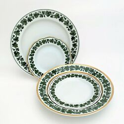 Meissen Porcelain Assorted Trim And039full Green Vineand039 31 Piece Dinnerware Set