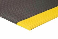 4and039 Width 3/8and039and039thick Corrugate Foam Surface Anti Fatigue Matting Industrial Mats.