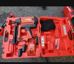 Hilti Gx 2 Gas-actuated Fastening Tool 2 Batteries And Chargers