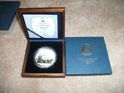 2011 5oz Chinese Panda In Wooden Box With Coa