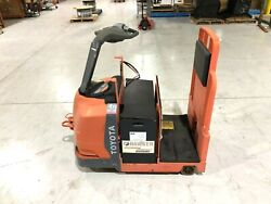 Toyota 8tb50 Electric Battery Tow Truck, Industrial Ride-on Cart Puller