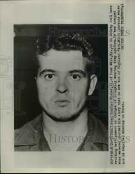1953 Press Photo Fred Blueford Fisher In A County Jail Waiting For Arraignment