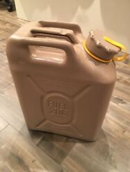 New Scepter Desert Sand Tan Military Diesel Can With New Spout Mfc 5 Gallon 20 L