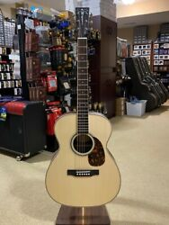 Larrivee Om-40-r With Moonwood Top And Torch Headstock Inlay