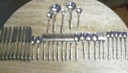 Distinction Deluxe Stainless By Oneida Hh Raphael Pattern 34 Pieces