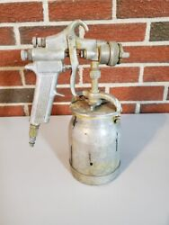 Devilbiss Mbc Used Spray Gun With No. 30 Nozzle And Binks Canister