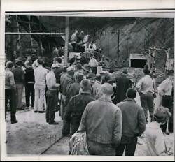 1963 Wire Photo Bystanders Watch At The Exit Of Mine Where 22 Miners Trapped