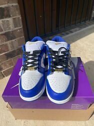In Hand Size 12 - Nike Sb Dunk Low Supreme Hyper Royal