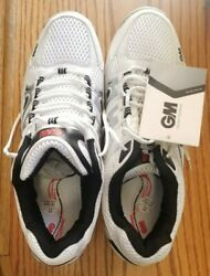 Gm Pro Mens Us 9.5 Size Uk 8.5 Size Rubber Cricket Shoes White With Metal Spikes