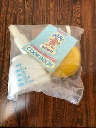 Vintage Tupperware Tupperboys Mini Mix.it Childrenand039s Mixing Set. New Sealed.