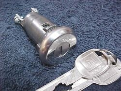 Restricted Keyway Theft Alarm Switch Lock And New D Keys Vette Corvette 72 And 76