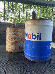 Vintage Mobil Oil Can 5 Gallon Can And Philips 66 Oil Can Lot Of 2 Cans No Dents
