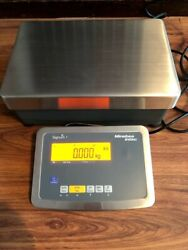 Minebea Intec -signum 1- Model Siwrdcp 1-60-i-ip65 Bench Scale 6 Button Keyboard