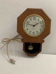 Vintage Ge General Electric Wall Hanging Pendulum Clock Model 8031a Tested