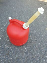 Vintage Eagle 2 1/2 Gallon Round Plastic Gas Can Pg3 Vented With Spout / Cap