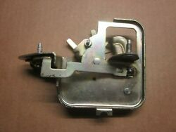 Chevy S-10 And Gmc S-15 Tail Gate Window Lock Assembly Circa 80and039s 90and039s