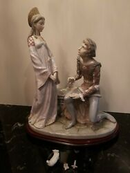 Lladro 1434 Vows Lancelot And Guinevere Porcelain Figurine W/wood Base-needs Fix