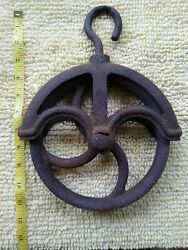 Antique Vintage Cast Iron Water Well Pulley Barn Pulley Industrial Steampunk