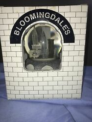 Bloomingdales New York City Twin Towers Pre 9/11 Music Snow Globe Nyc