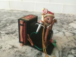 Lustre Fame Christmas Traditions Mouse With Joyous Folding Camera Ornament 1994