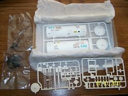 Walthers 5150 Series Nord Kaolin 40' Funnel-flow Tank Car Kit - New