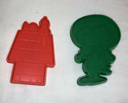 2 Snoopy Cookie Cutters World War Ii Flying Ace And Sleeping On Doghouse