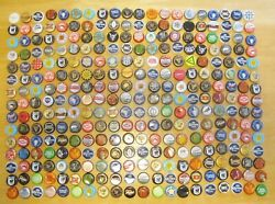 300 Assorted Variety Beer Bottle Caps Tops Used - Ships Free To Usa