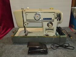Vintage Rare Capitol Zig Zag Model 666 Sewing Machine - Works - Pedal And Case