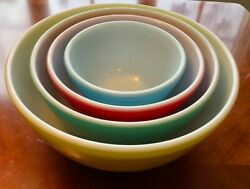 Pyrex Primary Colors Mixing Nesting Bowls - Set Of 4 Vintage Excellent Condition