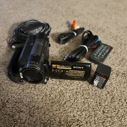 Sony Hdr-xr500v 120 Gb Camcorder And Accessories