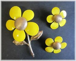 Vintage Sarah Coventry Antique Yellow Enamel Flower Brooch And Earrings Japan A