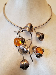 Silver Amber Statement Pendant And Collar Necklace Chain.  Ref Xhod