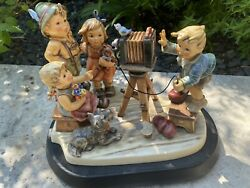 """Hummel Large Figurine""""picture Perfect""""1723 Hum2100"""