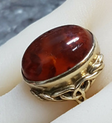 Large Vintage 9ct Gold And Baltic Amber Ring. Size O.  Refabeod