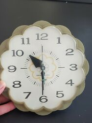 Vintage General Electric Ge Green Daisy Kitchen Wall Clock Work Model 2150