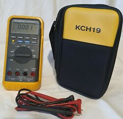 Fluke 88 Automotive Multimeter With Leads And Case.
