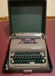 Vintage Smith Corona Clipper Typewriter With Case Floating Shift Excellent Wow