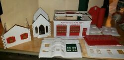 Lot Of O Scale Lionel / Plasticville Buildings Parts Lot .... See Photos