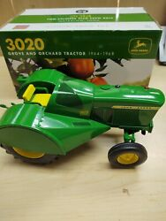 Ertl 1/16 John Deere 3020 Grove And Orchard Tractor 2014 Two Cylinder Expo Nib